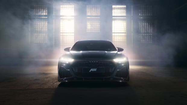 M_03_Front_ABT_RS6_Signature_Edition_0382_bright