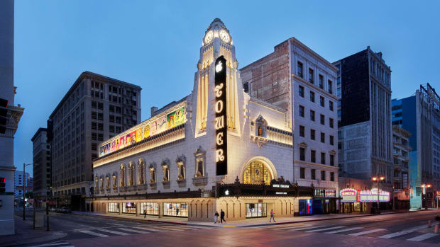 apple_nso-tower-theater-la_street-view_06222021