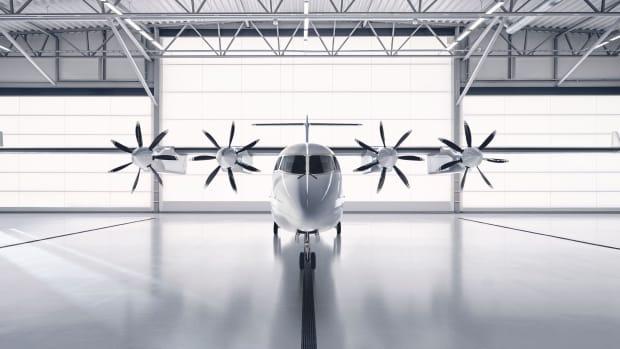 ES-19 in Hangar