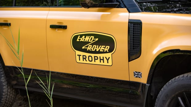 Defender Trophy7_small