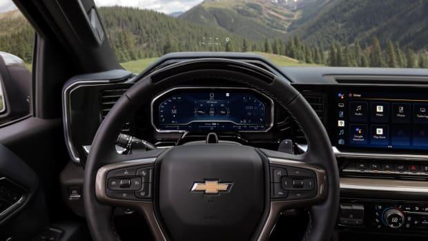 2022-Chevrolet-Silverado-HighCountry-026