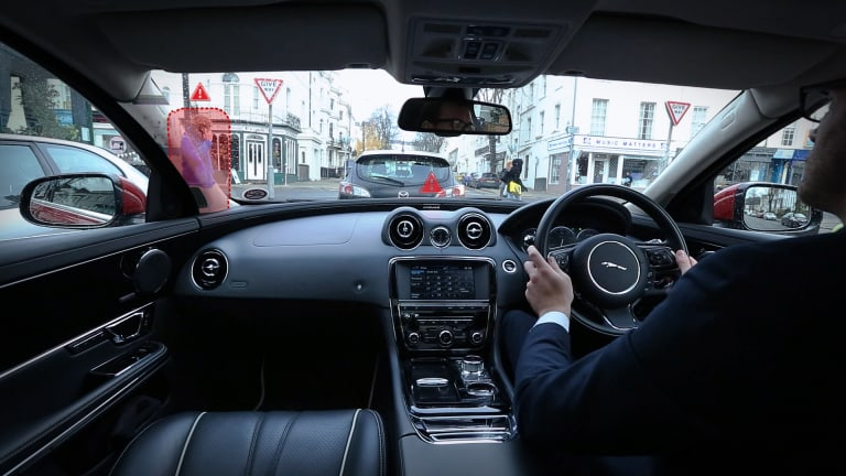 Jaguar's 360-degree Virtual Urban Windscreen