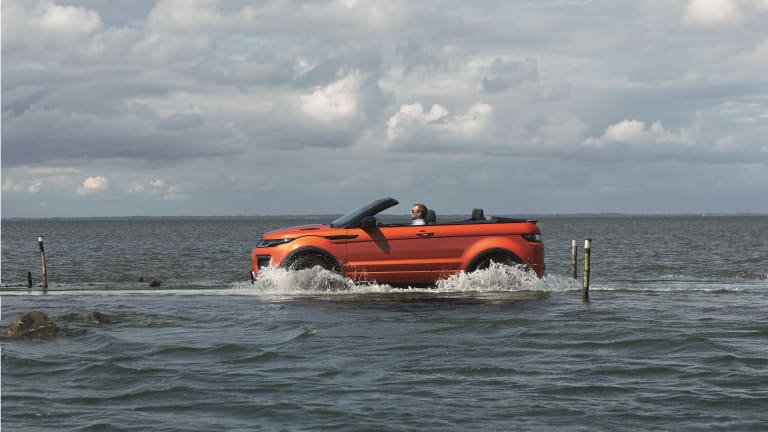 Land Rover chops the top off of its Range Rover Evoque