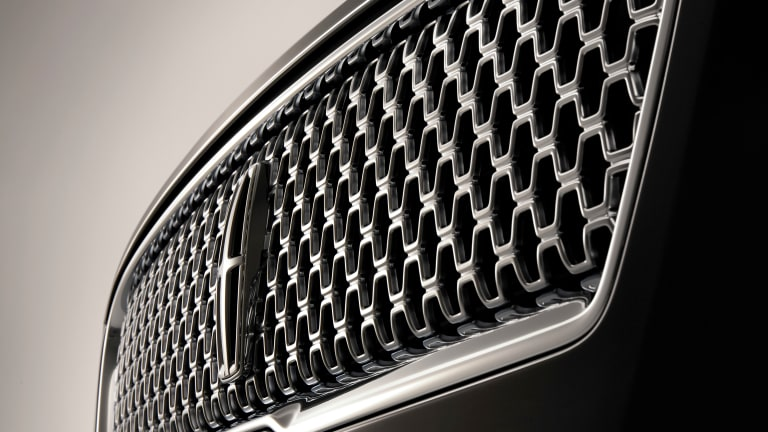 Lincoln refreshes the MKZ and gives it a major boost in horsepower