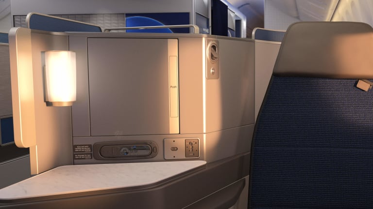 United unveils its new Polaris Business Class