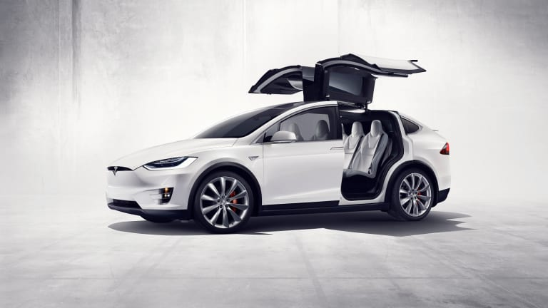 Tesla officially unveils (and delivers) the production Model X