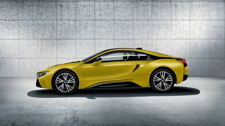 BMW announces a duo of limited edition Protonic Frozen i8s