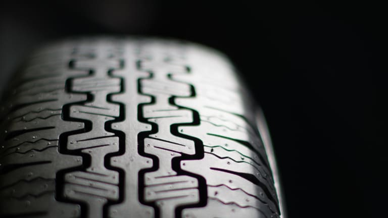 """Pirelli expands its """"Collezione"""" range of tires for classic cars"""