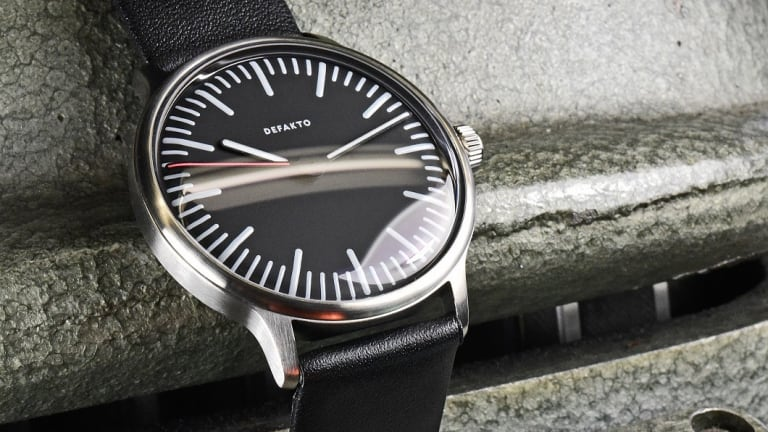 Defakto grows its minimalist watch collection with the Transit
