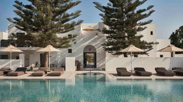 Parīlio opens its new hotel on Paros' Naoussa Bay