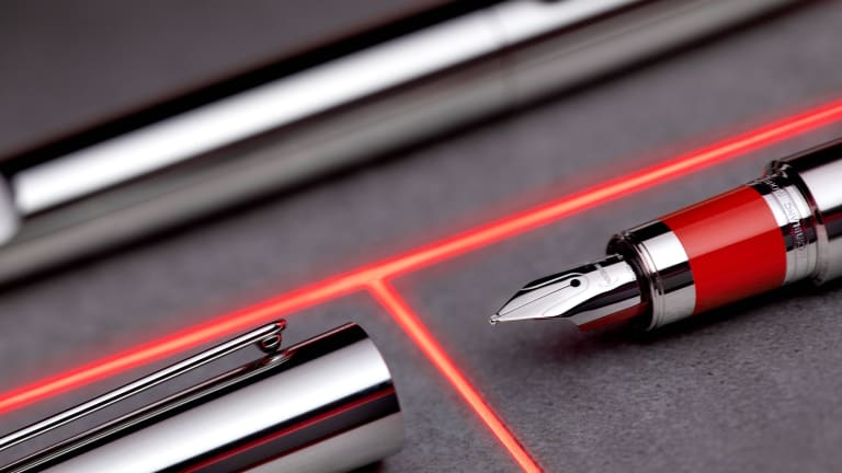 Marc Newson introduces a new (MONTBLANC M)RED series of pens