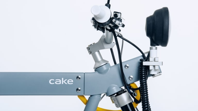 Cake delivers on and off-road versatility with their new Ösa electric motorcycle