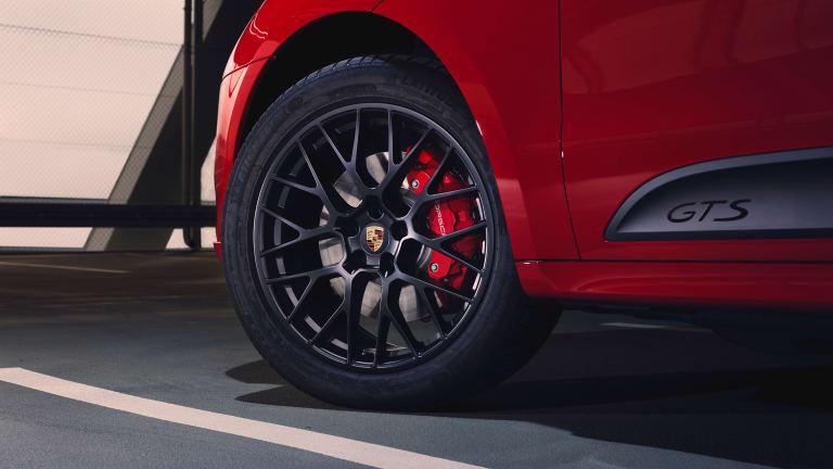 Porsche announces the 2020 Macan GTS