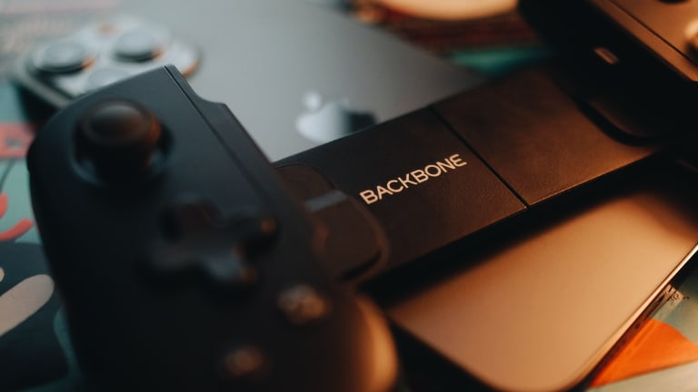 Backbone releases the definitive gaming controller for the iPhone