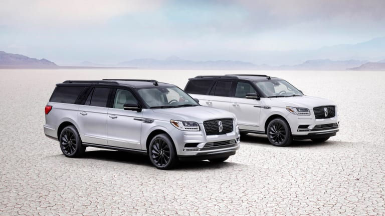 Lincoln introduces a new two-tone package for the 2021 Navigator
