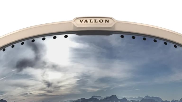 Vallon brings a classic look to the slopes with the Freebirds goggle and Ski Aviators