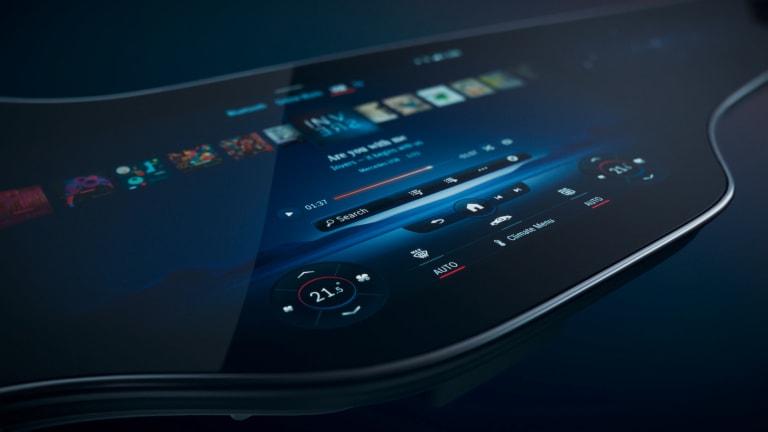 Mercedes-Benz unveils the MBUX Hyperscreen