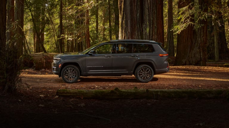 Jeep launches the new seven-passenger Grand Cherokee L