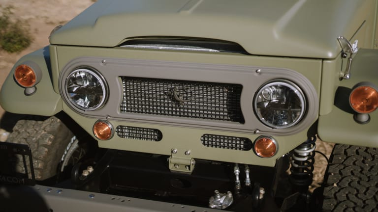 """Icon shows off its latest """"Old School Edition"""" FJ44"""