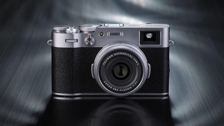 Fujifilm introduces the X100V