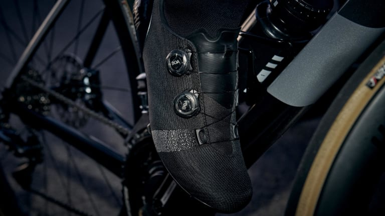 Rapha releases its Pro Team shoe