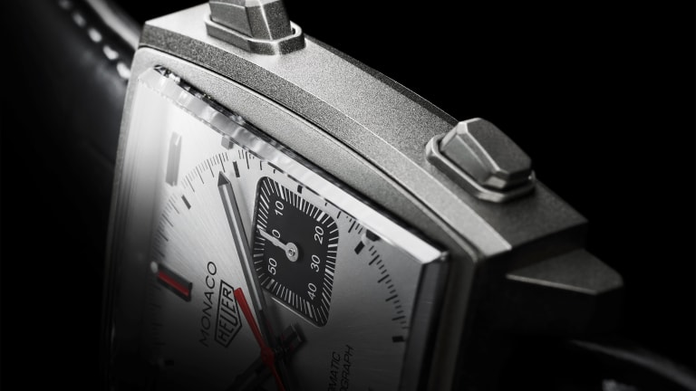Tag Heuer releases a titanium version of the Monaco
