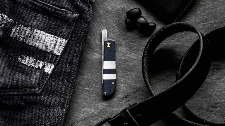 Wesn created a new pocket knife with a handle made out of genuine Momotaro denim