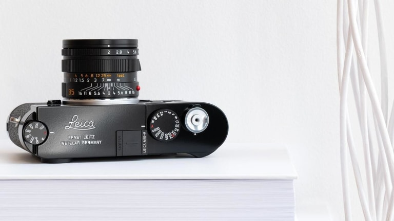 Leica releases the M10-R in a black paint finish