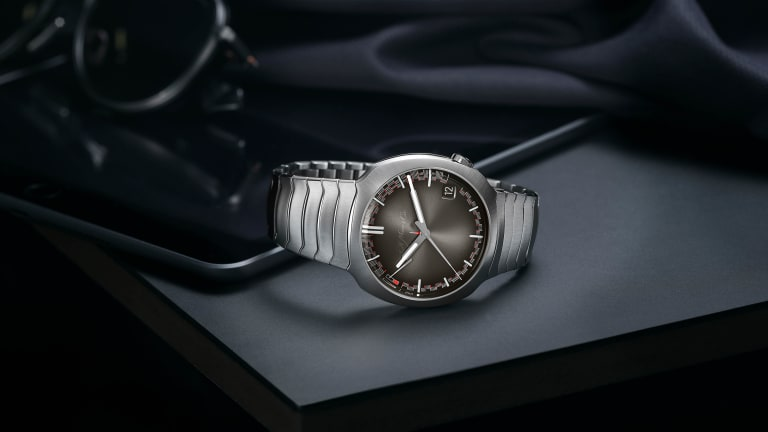 H. Moser & Cie brings its simplified perpetual calendar to a new version of the Streamliner