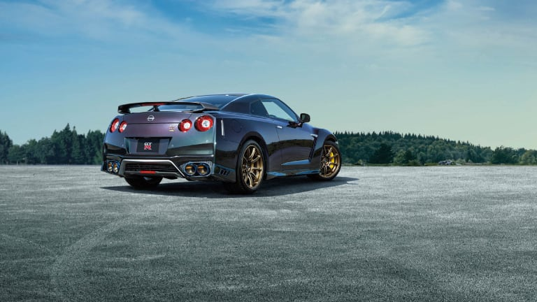 """Nissan reveals the limited edition """"T-spec"""" GT-R"""