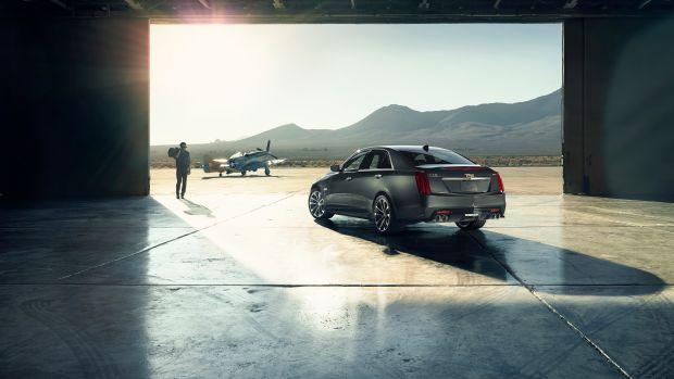 2016-Cadillac-CTS-V-Sedan-004.jpg