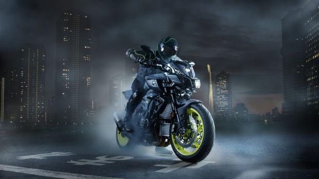 2016-Yamaha-MT-10-EU-Night-Fluo-Static-003.jpg