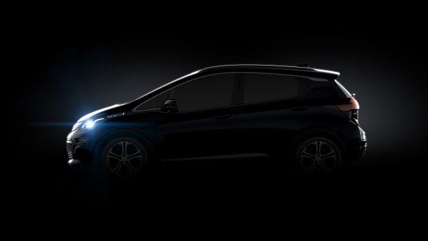 2017-Chevrolet-BoltEV-001.jpg