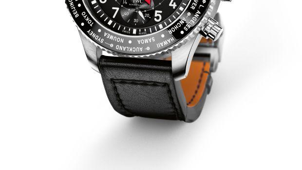 21_IWC_IW395001_PT_Timezoner_Chronograph_Lifestyle.jpg