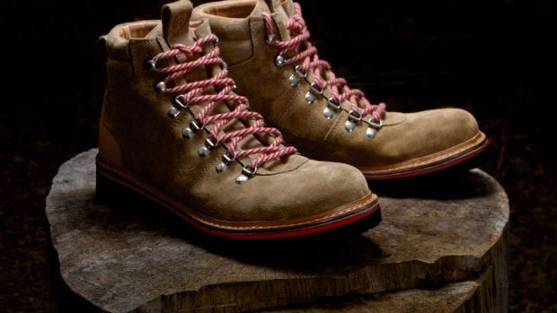 Amerigo-Boot-Red-Hero-01.jpg