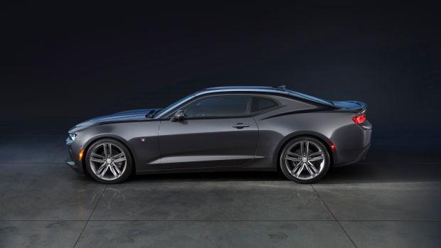 2016-Chevrolet-Camaro-RS-006.jpg