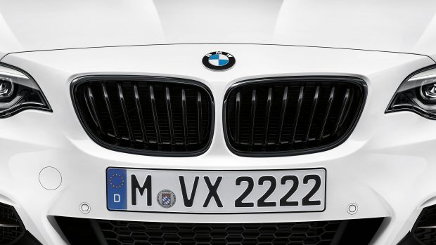 P90259143_highRes_the-new-bmw-m240i-m-