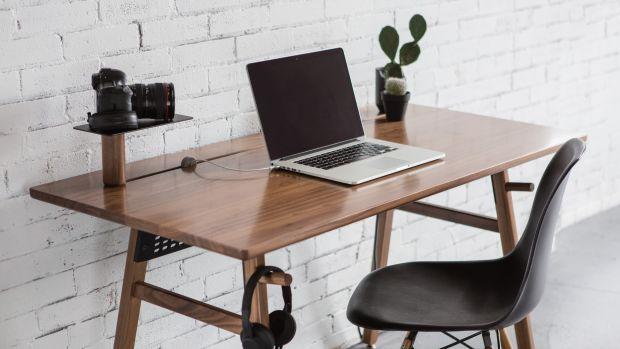 Artifox_Desk-02_Walnut_05.jpg
