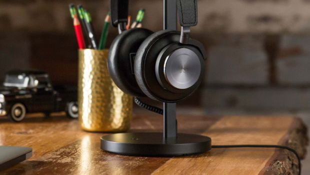 Twelve South Fermata Wireless Headphone Stand