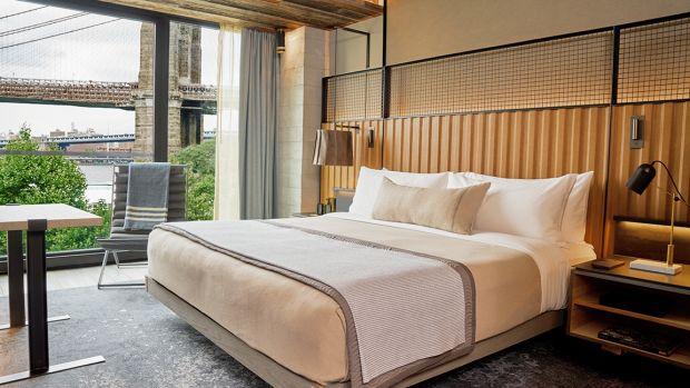 1_Hotel_Brooklyn_Bridge_King_Guestroom_DLT_1.jpeg