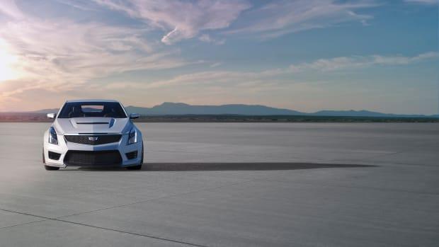 2016-Cadillac-ATS-V-Coupe-007.jpg