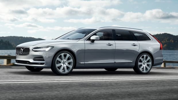 175211_Volvo_V90_Location_Front_7_8.jpg
