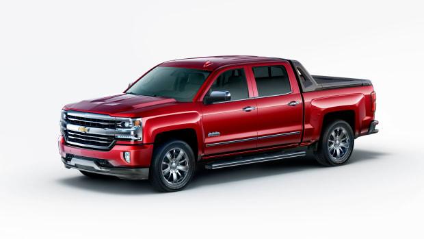 2017-Chevrolet-Silverado-HighDesert-001.jpg