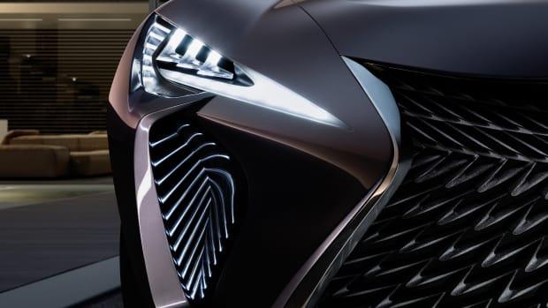 Lexus_UX_Concept_2016_Paris_Motor_Show_007_43CE594C704DDDCF09F86F42C2A98AE6527B3B23.jpg