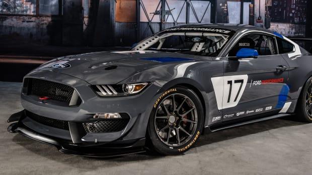 Mustang-GT350R-C4-Ford-Performance-4.jpg
