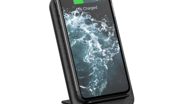 Nomad Wireless Travel Charger
