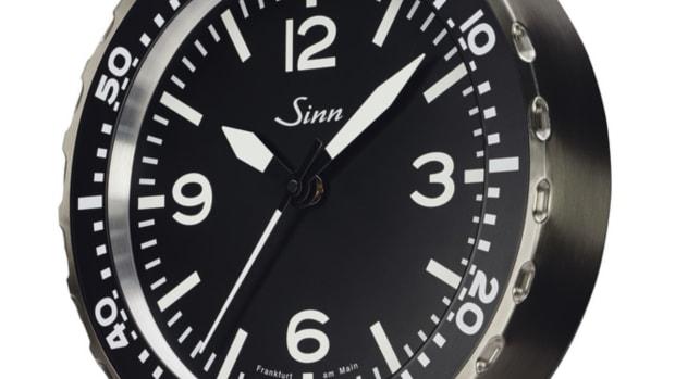 Sinn Analog Radio-controlled clock