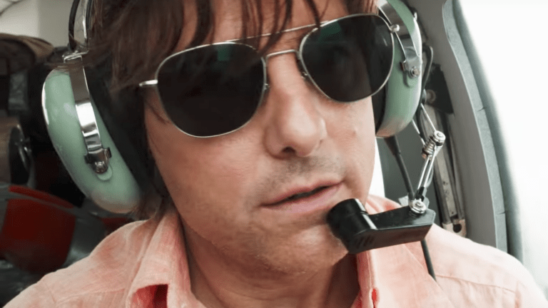 Tom Cruise is a pilot of different sort in 'American Made'