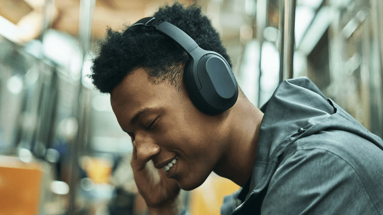 Status Audio offers flagship features in an affordable noise-cancelling headphone