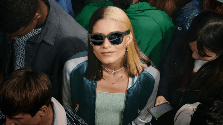 Ray-Ban and Facebook launch a collection of smart eyewear